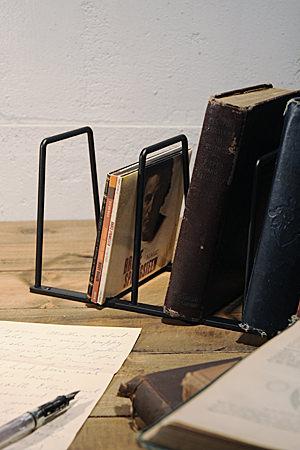 Plain Iron BookStand L